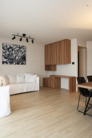 床と家具の色は同じほうがいい?という話と、ネイルサロン事例更新のおしらせ。