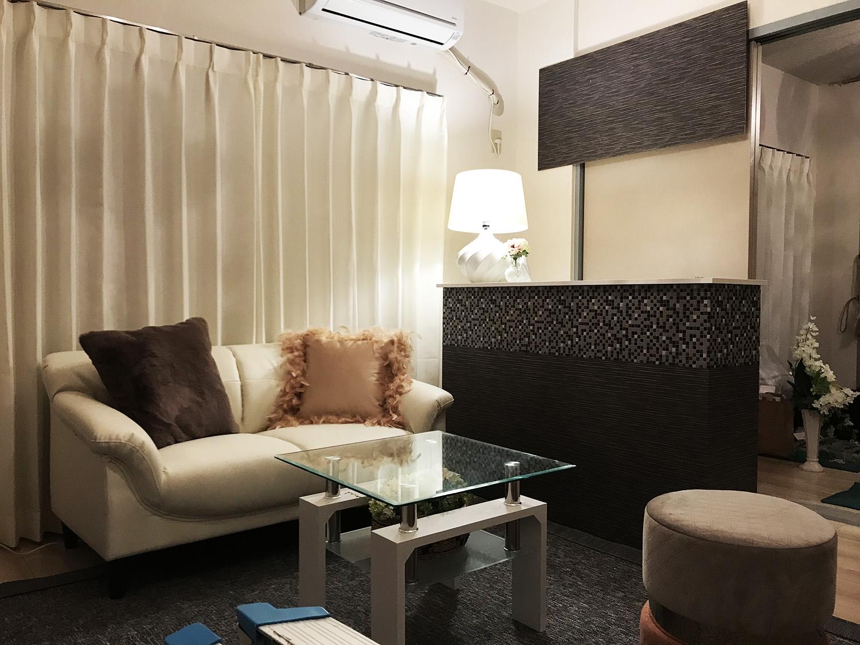 ニトリのカラーボックスを加工すると 高級そうなカウンター風の家具が